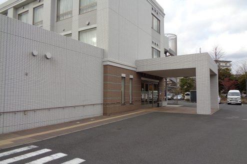 29.横浜リハビリ病院|リハビリ棟・正面