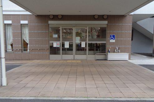 30.横浜リハビリ病院|リハビリ棟・正面玄関