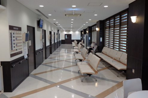 3.横浜リハビリ病院|待合室