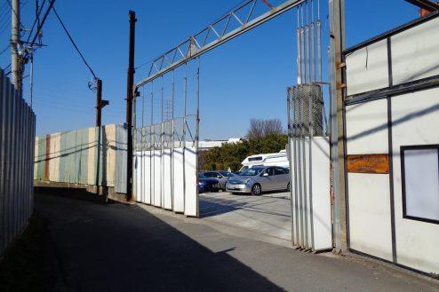 21.東京近郊の廃工場 正面入口