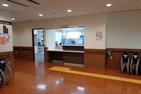 10.横浜リハビリ病院|リハビリテーションルーム受付