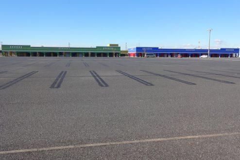 3.ロングウッドステーション|フラットな1万坪の駐車場