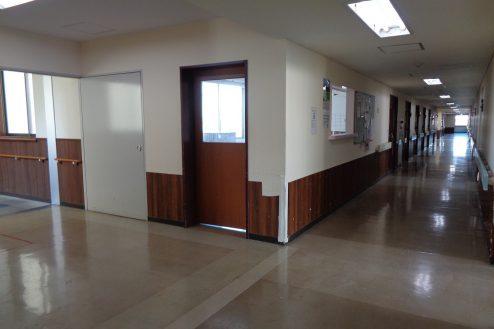 23.病院2棟貸しスタジオ|廊下