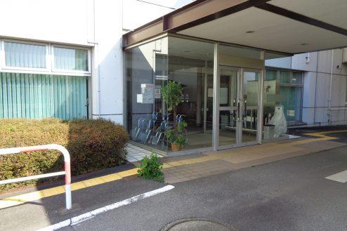 26.病院2棟貸しスタジオ|正面玄関
