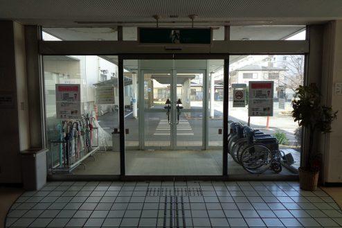 25.病院2棟貸しスタジオ|正面玄関