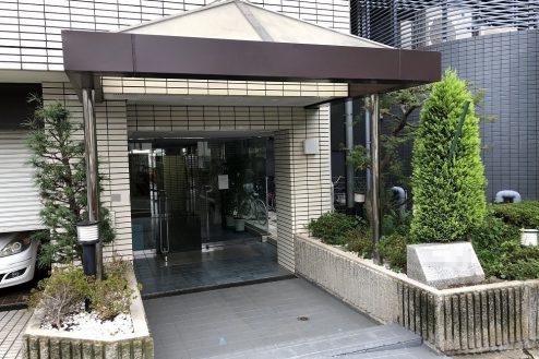 5.西新宿マンションスタジオ共用部 正面玄関