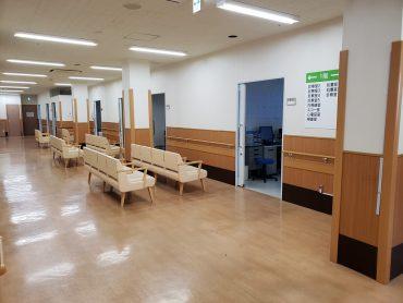 病院2棟貸しスタジオ|平日・病室・ナースステーション・診察室・待合室ロビー・廊下・救急搬入口・玄関
