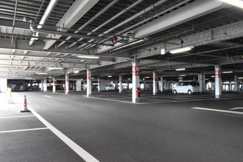 27.ショッピングモール|駐車場