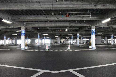 25.ショッピングモール|駐車場
