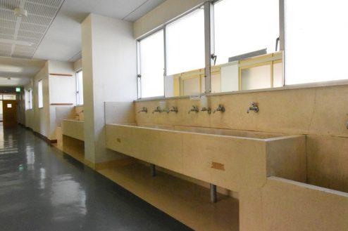 16.旧久住第二小学校|共用部・廊下