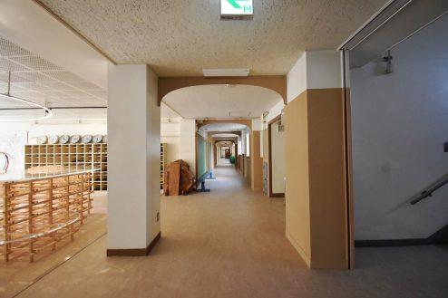 15.旧久住第二小学校|共用部・廊下