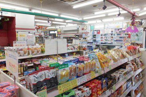 3.東京近郊のコンビニ 店内・商品棚