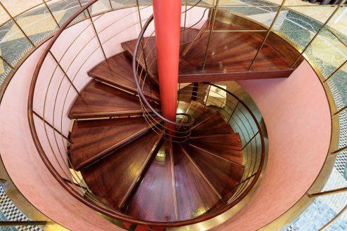 7.ジャスマック青山|1Fフロア・螺旋階段