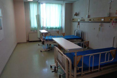 6.病院1棟貸しスタジオ|病室(2床)