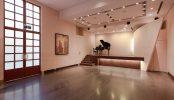 ジャスマック青山|スタジオ・海外建築・エントランス・吹き抜け・螺旋階段・グランドピアノ|東京