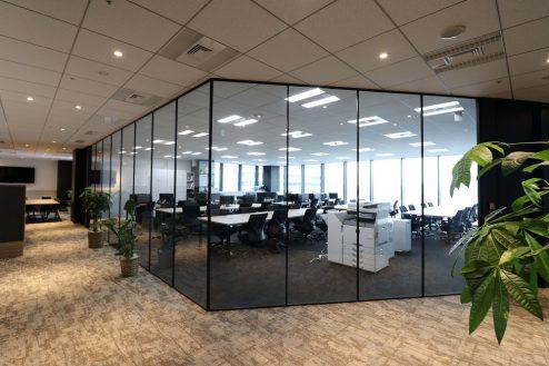 渋谷オフィス|社長室・執務室・会議室・カフェスペース・ガラス張り・平日土日|東京
