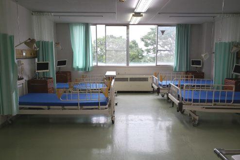 3.病院1棟貸しスタジオ|病室(4床)