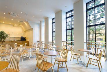 みなとみらいカフェ(2042)|シンプル・高い天井・赤レンガ倉庫・ランドマーク・貸切り