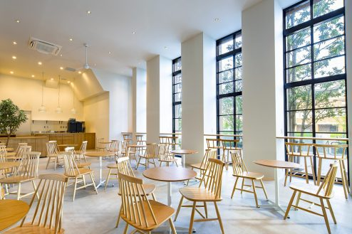 みなとみらいカフェ|シンプル・高い天井・赤レンガ倉庫・ランドマーク・貸切り