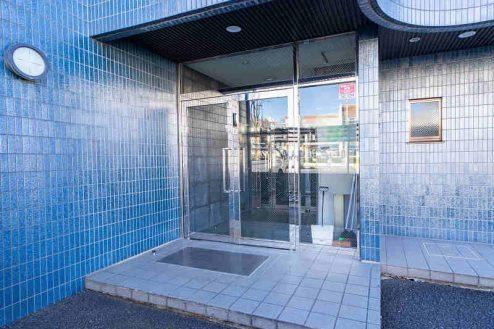 25.つつじヶ丘マンションスタジオ|正面玄関