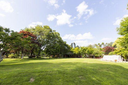 17.グランヴォー スパ ヴィレッジ|芝生ガーデン