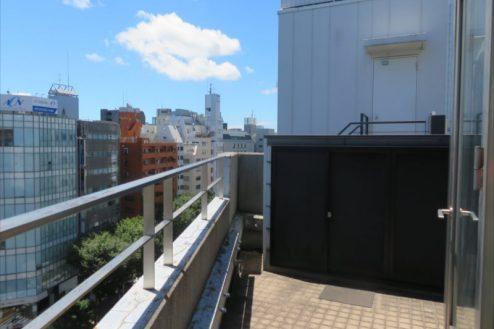 11.新宿3丁目オフィススタジオ|応接室・ベランダ