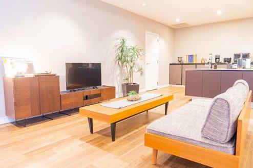 4.紀尾井町マンションスタジオ|リビング・キッチン1