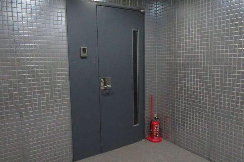 20.新宿2丁目オフィススタジオ|スタジオドア