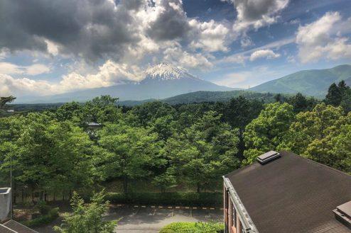 7.リゾートホテルスタジオ祥栄|展望台からの富士山