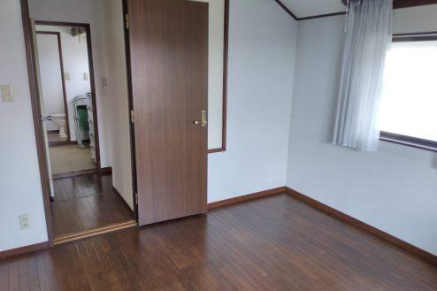 9.横浜市旭区ハウススタジオ|洋室・トイレ
