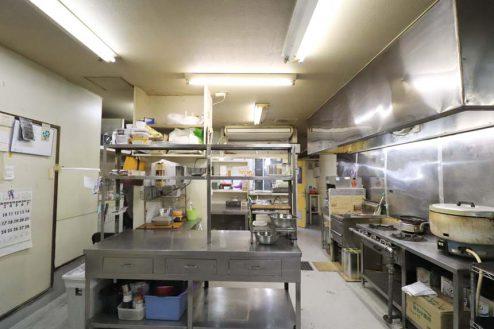 14.23区内の弁当屋|厨房