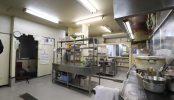23区内の弁当屋|厨房・レジカウンター・店舗前|東京