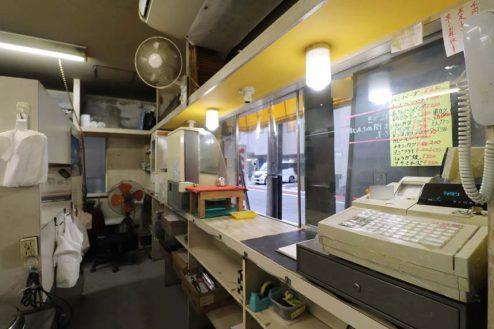 23.23区内の弁当屋|厨房・レジカウンター