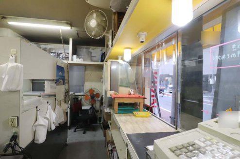 24.23区内の弁当屋|厨房・レジカウンター