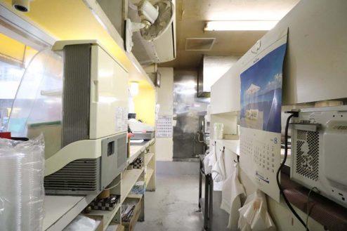 27.23区内の弁当屋|厨房・レジカウンター