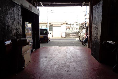 6.与野基地|倉庫入口