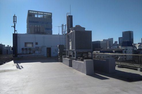 2.新宿にあるビジネスホテル 屋上