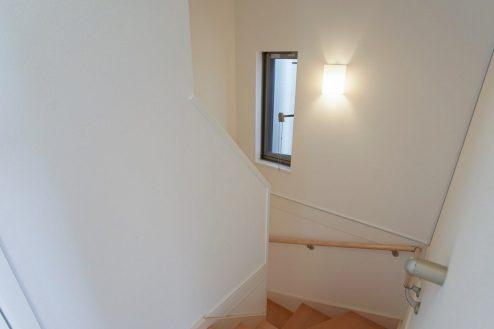 13.北池袋4LDK車庫付き一軒家|階段