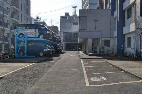 11.新宿にあるビジネスホテル 駐車場