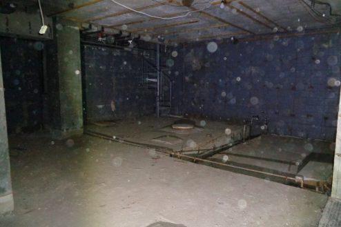 2.マンション地下・廃墟スペース