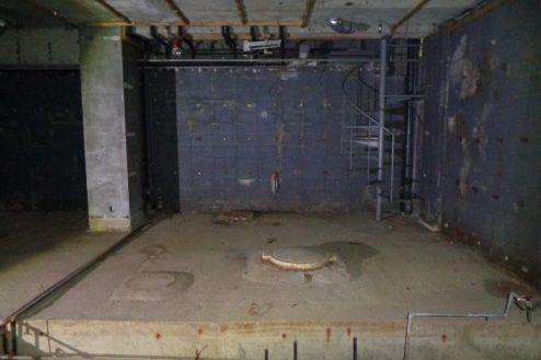 6.マンション地下・廃墟スペース