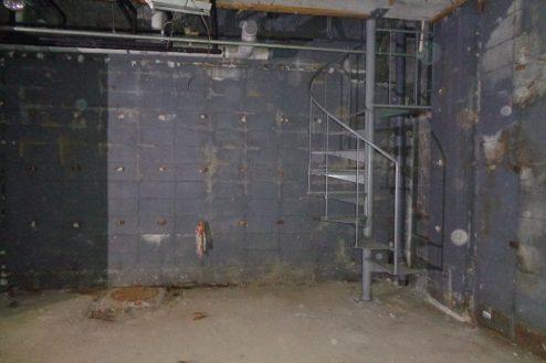 7.マンション地下・廃墟スペース