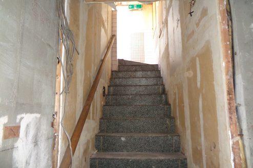 11.マンション地下・廃墟スペース|階段・上り