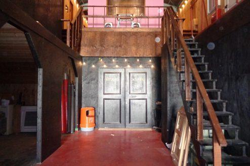 13.格闘場・ホール・与野基地|倉庫スタジオ内・格闘場入口