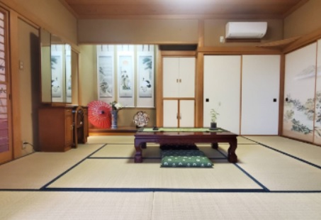 2.STUDIO teppaku|赤丸の間