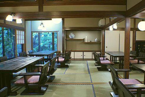 12.歴史的建築の高級和風レストラン|大広間