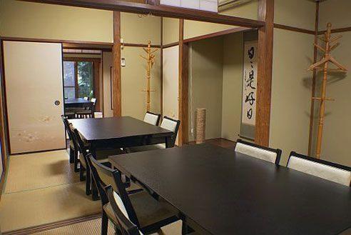 22.歴史的建築の高級和風レストラン|和室