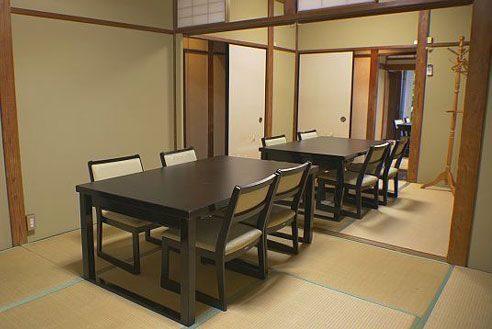 21.歴史的建築の高級和風レストラン|和室2