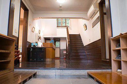 8.歴史的建築の高級和風レストラン|玄関