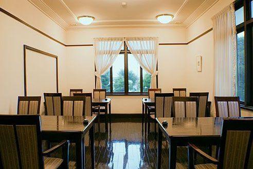 13.歴史的建築の高級和風レストラン|洋室1